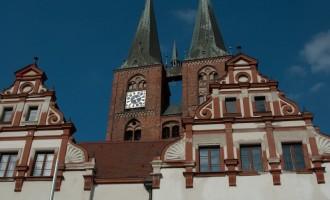 SDL: Rathaus mit Mrienkirche