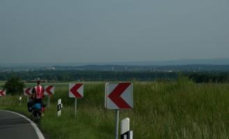 die letzte Kurve vom Huygebirge hinunter nach Halberstadt