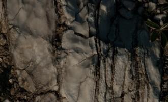überall unter der dünnen Erdschicht: seltener Werra-Anhydrit