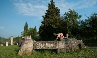 abendliche Rast im Skulpturengarten