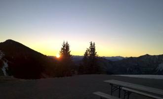 Sonnenaufgang vom Hüttenerker aus gesehen