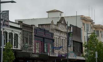 alte Fassaden in der Hauptstrasse von Hamilton