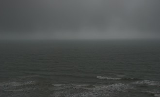 einmal blitzt die rauhe Tasman Sea kurz hindurch