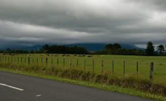 Mt. Egmont: if you can´t see him, it´s raining; if you see him, it´s going to rain...wie wahr!
