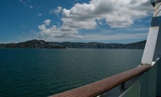 Good bye North Island! wir verlassen den Wellington Harbour per Fähre
