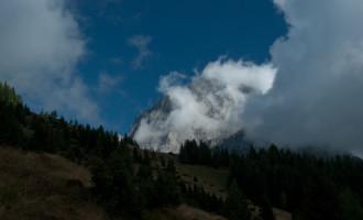 am Nössler Riedel, kurz vor der Bachlalm...es lichten sich die Wolken am Torstein