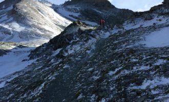 Im Abstieg von der Stüdlhütte, hinten der Grossglockner
