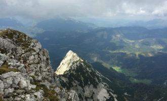 Blick vom Sattel auf die Laglmauer/Rosenau (OÖ).