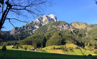 Letzter Blick am Ende des Johnsbacher Höhenwegs auf den Grossen Ödstein.