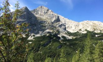 Der Namensgeber der ganzen Gipfelgruppe: das Hochtor (2369 m).