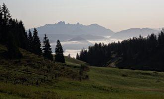 Morgennebel über dem Pongau bei Bischofshofen, Blick zur Bischofsmütze
