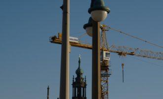 Auf der Augustusbrücke: Blick zur Hofkirche/Kathedrale