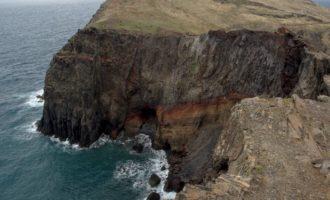 gut 200 m fällt das Kliff ab