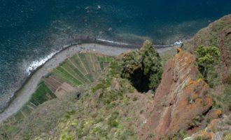 am Cabo Girao: freier Fall über 600m Meter ins Wasser...früher gab es hier am Ufer sogar ein Männerkloster am Wasserrand