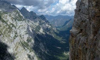 grossartiger Tiefblick ins Krma-Tal