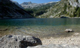 der glasklare Krn-See, beliebt bei den Slowenen für einen Sonntagsausflug