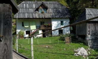typisches Bauernhaus aus dem Trenta-Tal